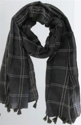Plaid stitched scarf with tassels black